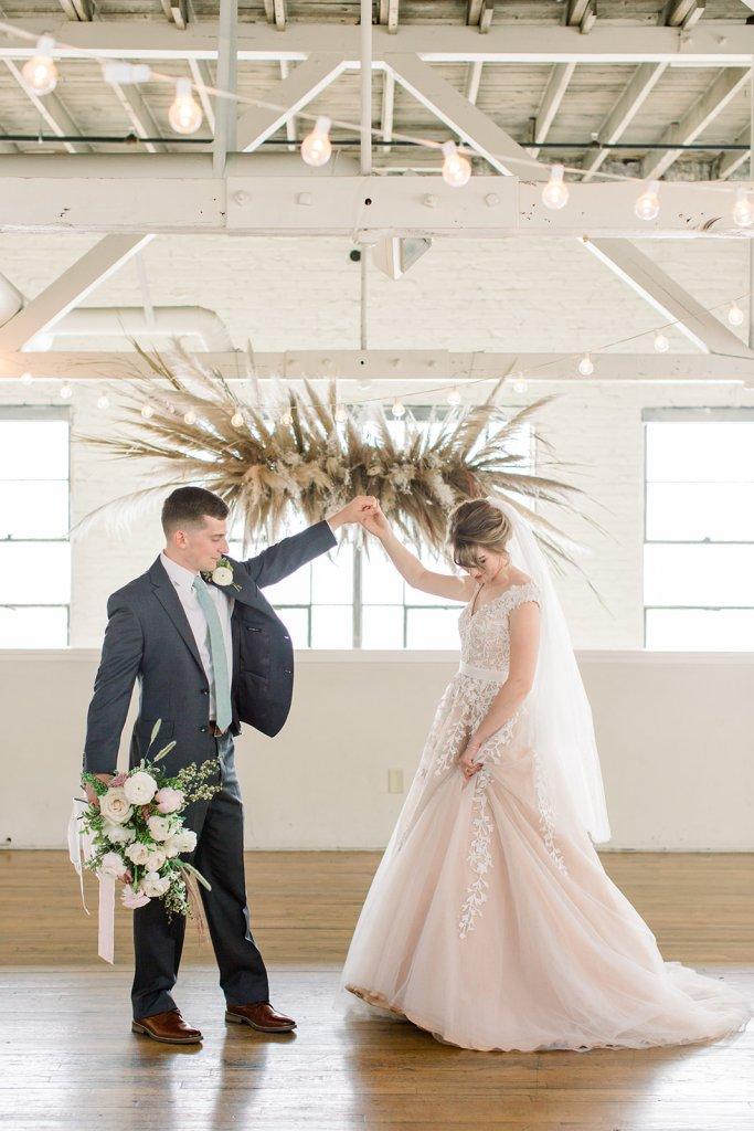 Romantic wedding at Bridge Street Gallery